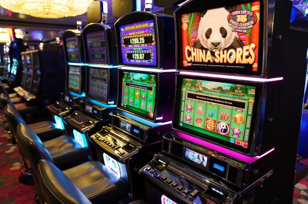 Unusual Article Uncovers The Deceptive Practices Of Gambling