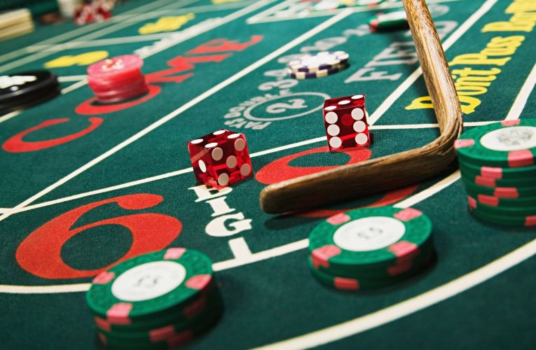 What The In-Crowd Will Not Tell You About Casino